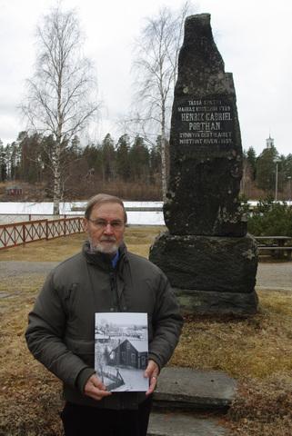 Vanhaa Viitasaarta kuvina ja kirjan kokoaja Reino Huuskonen